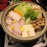 九州薩摩地鶏 薩摩次郎 - 九州風水炊き鍋