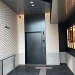 九州薩摩地鶏 薩摩次郎 - ビルの入口