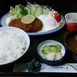 豊喜屋 - 料理写真:メンチカツ定食850円