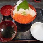 71894850 - ホタテいくら丼1600円