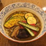 そば処 とき - 夏野菜冷やしカレー蕎麦 1800円