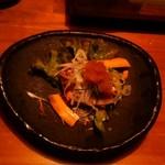 吉祥寺 餃子番長 炎のもつ家 甚家 - ジャコのサラダ