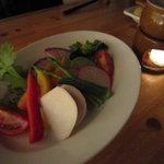 湘南の魚とワインの店 ヒラツカ - 旬の地野菜のバーニャカウダー