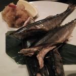 71902078 - 秋刀魚の塩焼き