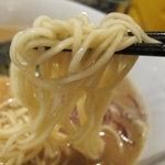 らーめん こてつ - 中太のストレート麺