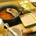 しゃぶしゃぶ温野菜 - 豚と国産銘柄鶏食べ放題 2,780円コースの初回セット。