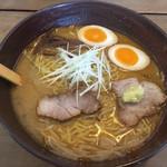 麺屋七彩 - 料理写真:味噌ラーメン
