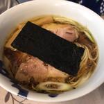 麺工 小烏丸 - 醤油。800円。