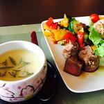 日本料理松風庵 - 順菜茶碗蒸しと主菜(牛ロースステーキとサラダブッフェ)