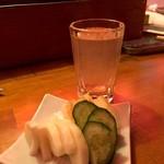 おでん 屋台村 神田 - 出汁割りと新香