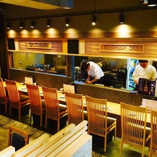極上の鰻料理を心ゆくまで堪能出来る、モダンな和空間。