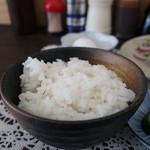 御成食堂 - 麦飯アップ