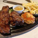 イタリアンステーキハウス Gaston&Gaspar - サーロイン&リブロース&ミートバーグ食べ比べ(スーパーガーリックソース)