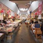青森魚菜センター - 市場内はこんなカンジ(※飲食スペースのある方)