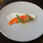 ワカヌイ グリル ダイニング バー 東京 - 前菜:NZ産キングサーモンのマリネ NZ産クリームチーズ1