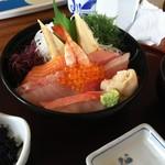 71947136 - 海鮮丼