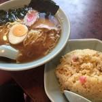 中華料理 餃子一番 - ♪ラーメン&チャーハン¥800