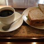 上島珈琲店 - クルミパンのハニーチキンサンドセット