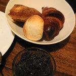 7195763 - タプナード&自家製パン3種