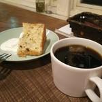 71956722 - プチセットのシフォンケーキとアイスコーヒー