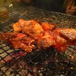 ことぶき焼肉 - 中おちカルビ(たれ)