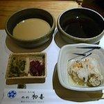 7196769 - 胡麻ダレとぽん酢、漬物と小鉢