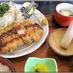 丸勝 - 料理写真:ロースかつ定食