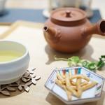 丸八製茶場 syn - 2番茶でかりんとう