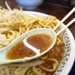 ラーメン二郎 - つけ味ラーメンのスープ