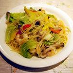 7197352 - 小エビと野菜いっぱいペペロンチーノ(1100円)
