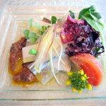 7197588 - サヨリとウドとごま豆腐の重ね仕立て梅とオリーブのソース