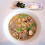 7197593 - マテ貝入り筍と豆のスープ