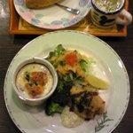 洋食の家 キャベツ - カキフライとミニグラタン、パン