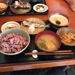 Mimatsu - むぎとろ(イワシ塩焼付)。 税込1150円。 美味し。