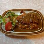 レストラン カナル - 料理写真:ヒレカツカレーサラダ添え(980円)