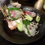 炉端dining ろい - お刺身盛り合わせ(2人前) 780円