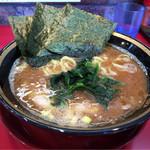 環2家 - 料理写真:ラーメン 680円