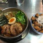 ZUND-BAR - 炙りチャーシューラーメン(醤油・まろ味)+肉ごはん