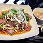五香路 - ローストビーフの麻辣冷麺