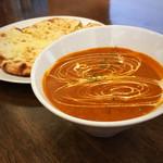 ASIAN KITCHEN KATHMANDU - エビキノコカレーとチーズナン(スタンダードランチのナン変更)