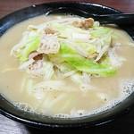 豚骨食堂 - ちゃんぽん 麺0.5玉増し
