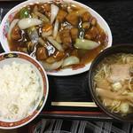 中華料理 仁 - 料理写真:酢豚定食 900円