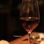 ポアジェ - ドリンク写真:グラスの赤