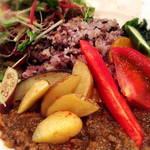 産食 お肉&菜園料理 カムラッド -