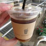 プラス スタンドコーヒー - アイスアメリカーノ(ショート)¥324