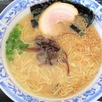 松 - 料理写真:博多ラーメン(醤油タレ)