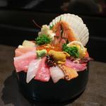 山さん寿司 - 海鮮丼☆