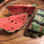 Panini KITCHEN ロイヤルベーカリー - 料理写真:スイカ風メロンパン 180円 1/4カット