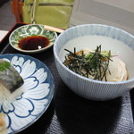 満寿形屋 - 冷やしぶっかけうどんと鯖寿司セット 1200円
