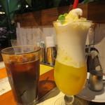 コナズ珈琲 - ゴールデンパイン「ハロハロ」スプラッシュ、アイスコナブレンド